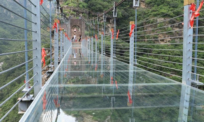 玻璃吊桥_稳定性施工注意事项