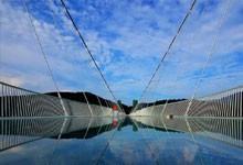 玻璃栈道工程建筑界的奇迹