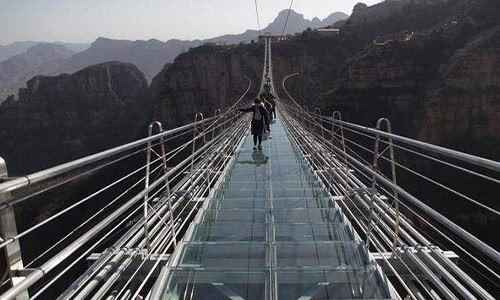 最长的玻璃吊桥 ,比张家界刺激多了