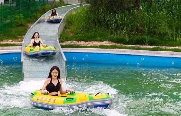 有玻璃漂流滑道的景区人气都旺!郑州大齐玻璃滑道专业承建公司为全国景区打造A级旅游景点!