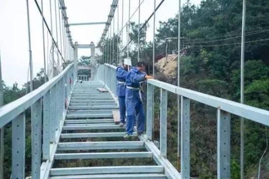 玻璃吊桥施工工艺介绍-大齐旅游建设工程有限公司